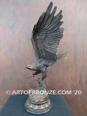 Museum quality bronze sculpture of flying eagle after Jules Moigniez on custom marble base